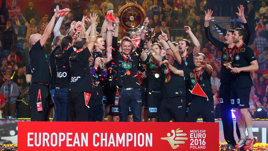 Die Handball-Europameister 2016 feiern in Berlin