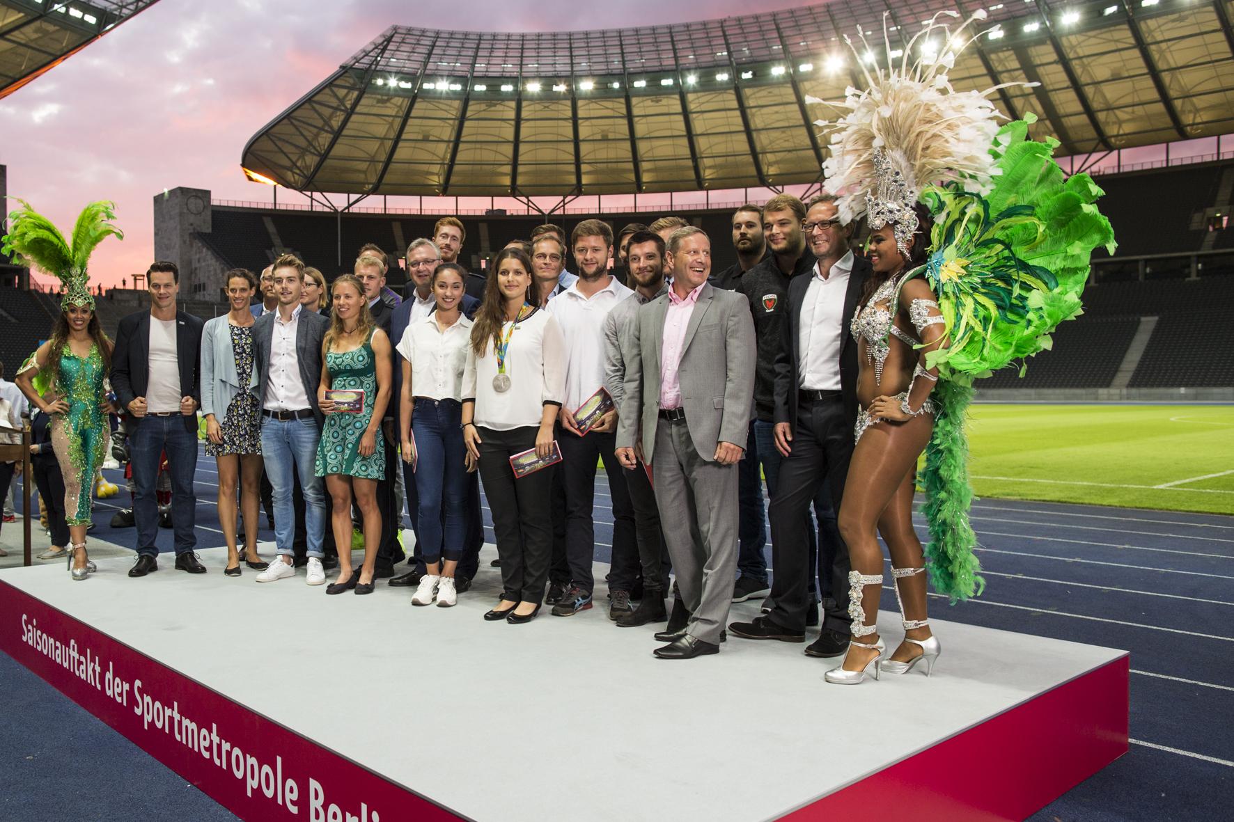 Team Berlin Rio beim Saisonauftakt der Sportmetropole Berlin